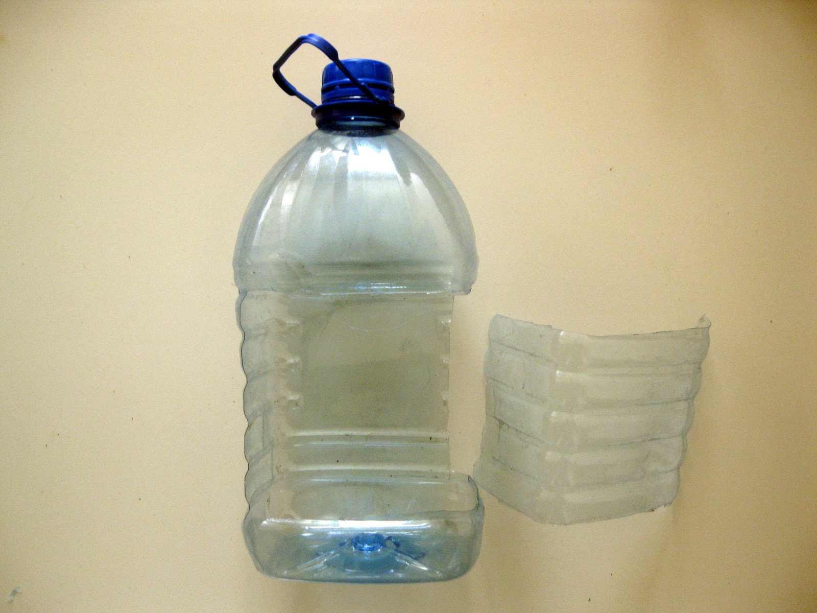 Кормушки из пластиковой бутылки своими руками фото